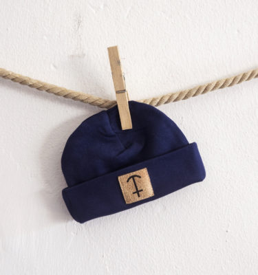 HomesickShop_Babykollektion_Beanie_PatchGroß_Navy_1500px