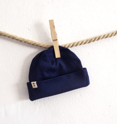HomesickShop_Babykollektion_Beanie_PatchKlein_Navy_1500px
