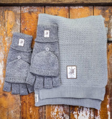 HomesickMerch_Winter_Set2_Grau_Wildschwein