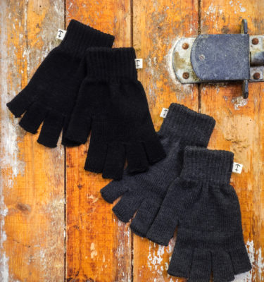 HomesickMerch_Winter_Set5_Handschuhe